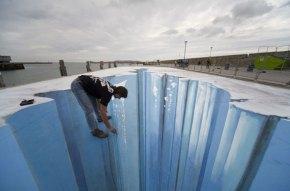 3D-Street-Art-The-Crevass-001